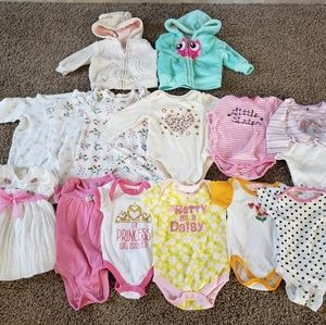 Lot: Size 3-6 months baby girl clothes 13 pieces